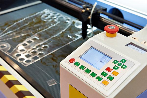 taglio-laser-plexiglas